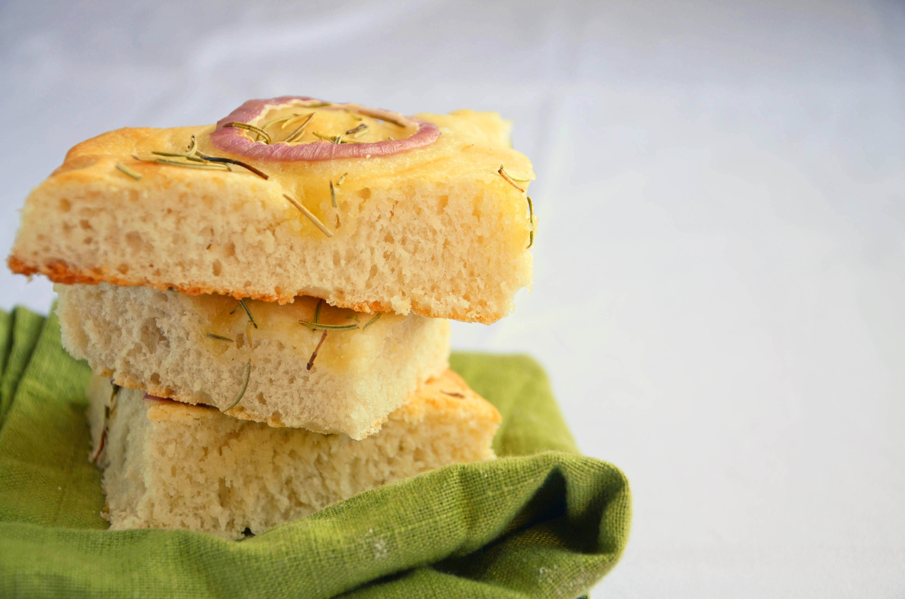 Focaccia Recipe | hollyshelpings.com