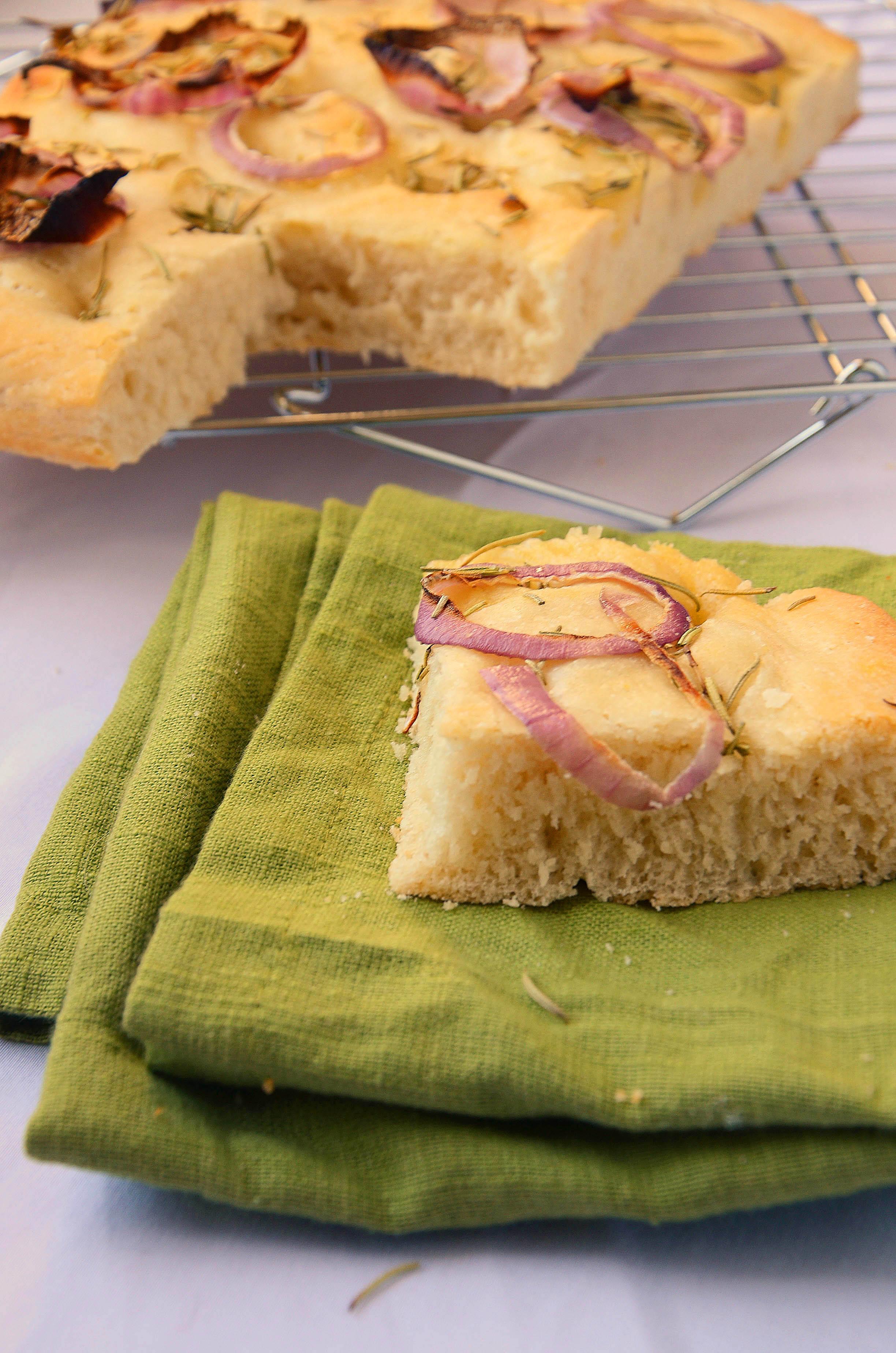 Focaccia Recipe | hollyshelpings.com
